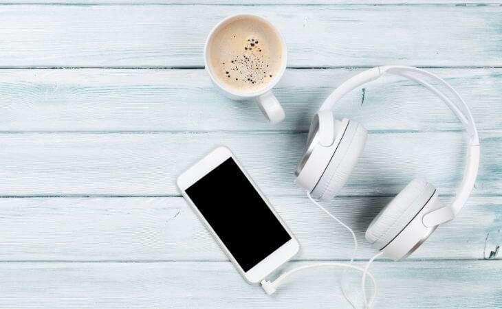 audífonos de cable